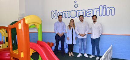 Foto visita alcalde Torrejón y directores escuela